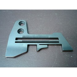 E784 Needle plate for...